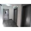 Лифты и дверь в общий коридор у квартир  (1-й подъезд, ул. Бианки-5)